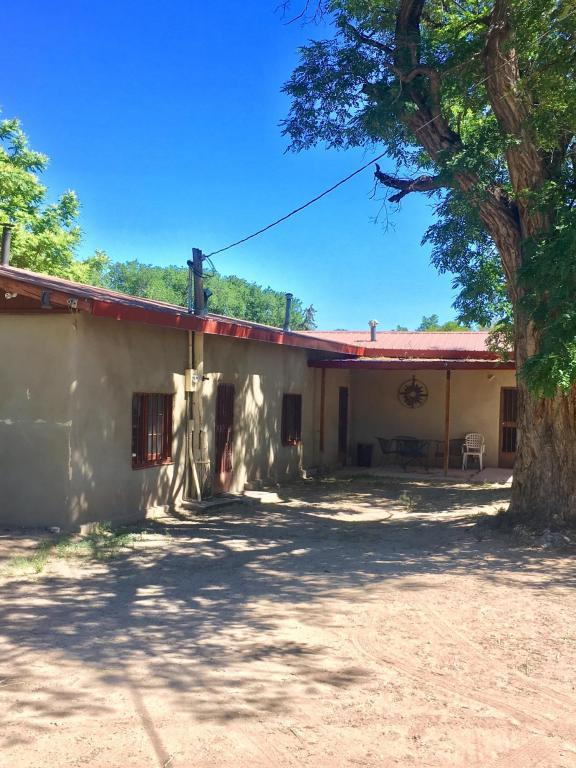 325 A County Road 40, Alcalde, NM 87511 (MLS #920442) :: Will Beecher at Keller Williams Realty