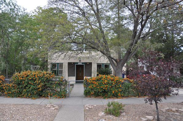 409 Princeton Drive SE, Albuquerque, NM 87106 (MLS #921101) :: Campbell & Campbell Real Estate Services