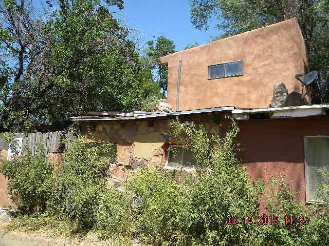6 Espinoza Road, Ranchos de Taos, NM 87557 (MLS #921112) :: Campbell & Campbell Real Estate Services