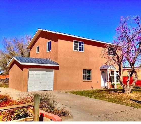 1217 Lester Drive NE, Albuquerque, NM 87112 (MLS #923887) :: Your Casa Team