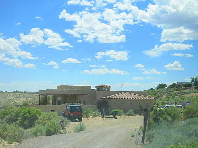3 Quiet Lane, Corrales, NM 87048 (MLS #924044) :: Will Beecher at Keller Williams Realty