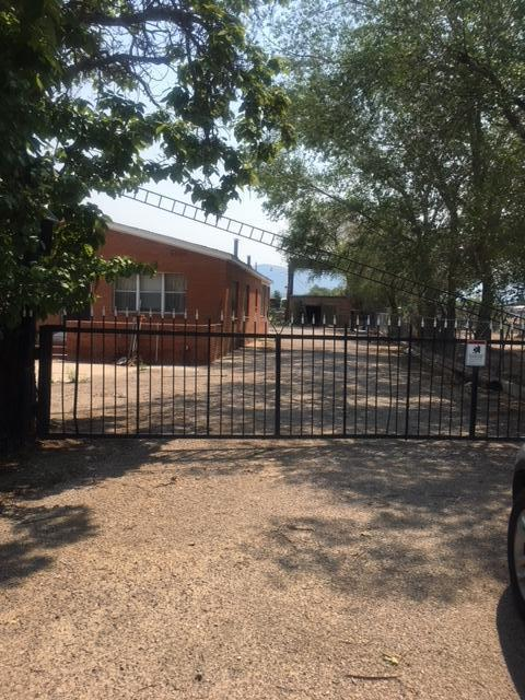 Address Not Published, Los Ranchos, NM 87114 (MLS #926165) :: The Bigelow Team / Realty One of New Mexico