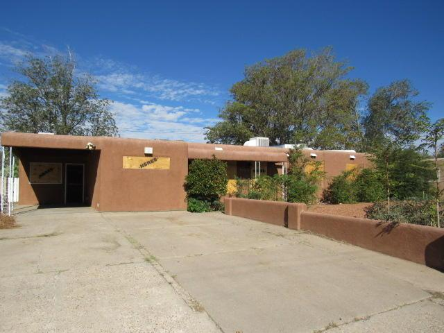 1611 Wyoming Boulevard NE, Albuquerque, NM 87110 (MLS #929169) :: Campbell & Campbell Real Estate Services