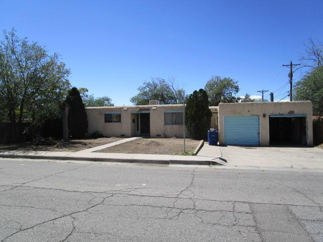 8219 Marquette Avenue NE, Albuquerque, NM 87108 (MLS #929581) :: The Stratmoen & Mesch Team