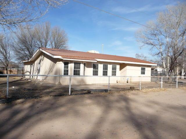 10 Sandhill Lane, Los Lunas, NM 87031 (MLS #931048) :: Campbell & Campbell Real Estate Services