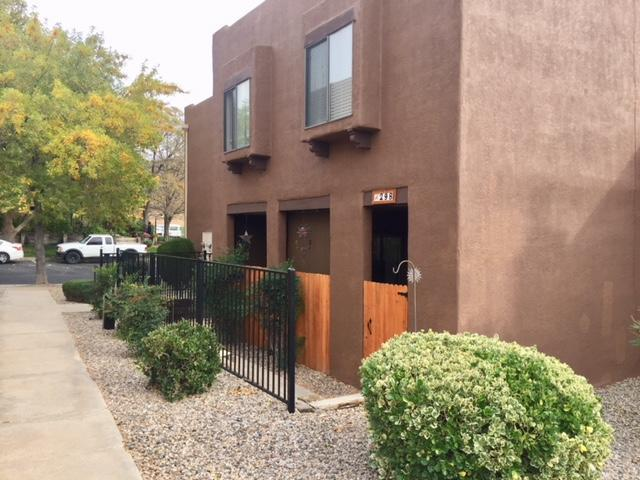 5801 Lowell Street NE Apt 29B, Albuquerque, NM 87111 (MLS #931647) :: The Bigelow Team / Realty One of New Mexico