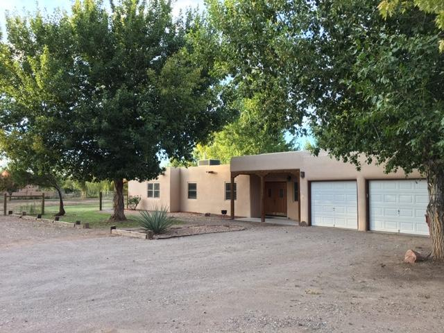 130 Los Manzanos Road, Corrales, NM 87048 (MLS #932471) :: The Bigelow Team / Realty One of New Mexico