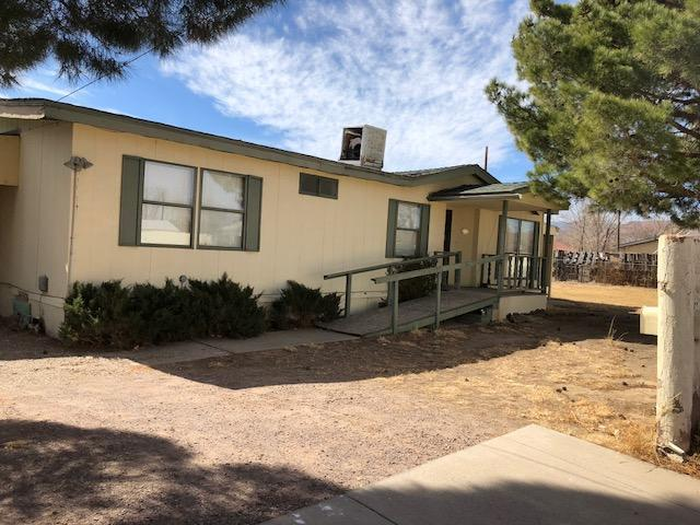 604 Memory Lane, Socorro, NM 87801 (MLS #933394) :: The Stratmoen & Mesch Team
