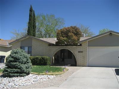 3824 Altez Street NE, Albuquerque, NM 87111 (MLS #933967) :: The Stratmoen & Mesch Team