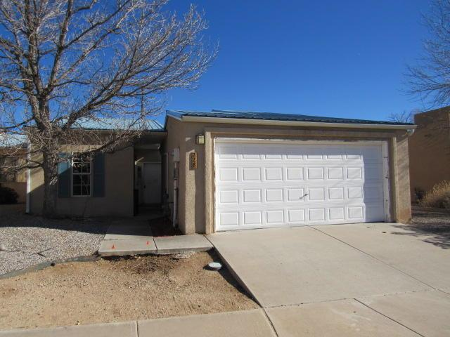 228 Hendren Lane NE, Albuquerque, NM 87123 (MLS #934074) :: The Stratmoen & Mesch Team