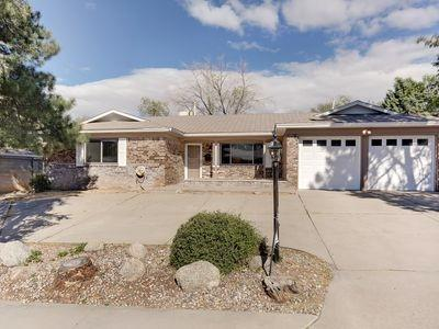 11705 Tivoli Avenue NE, Albuquerque, NM 87111 (MLS #934078) :: The Stratmoen & Mesch Team