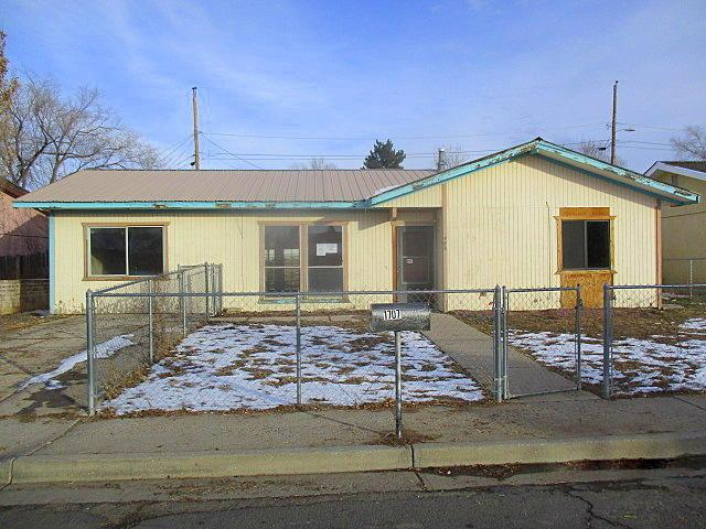 406 Calle Pinon, Gallup, NM 87301 (MLS #935424) :: The Bigelow Team / Realty One of New Mexico