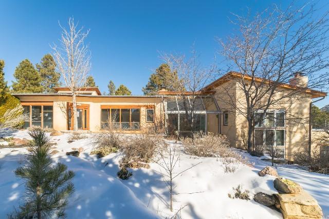 66 Quartz Trail, Santa Fe, NM 87505 (MLS #936151) :: Silesha & Company
