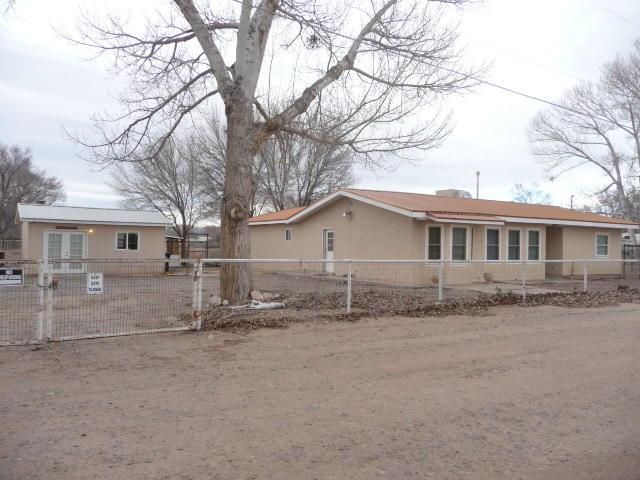 10 Sandhill Lane, Los Lunas, NM 87031 (MLS #937569) :: The Bigelow Team / Realty One of New Mexico