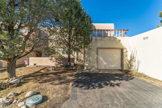 785 Tramway Lane NE # 10, Albuquerque, NM 87122 (MLS #937613) :: Campbell & Campbell Real Estate Services