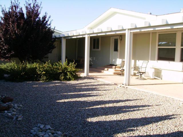 316 Sunrise Bluffs Drive, Belen, NM 87002 (MLS #939461) :: Silesha & Company