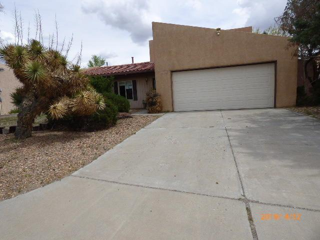 622 Lakeview Circle SE, Rio Rancho, NM 87124 (MLS #942221) :: Campbell & Campbell Real Estate Services