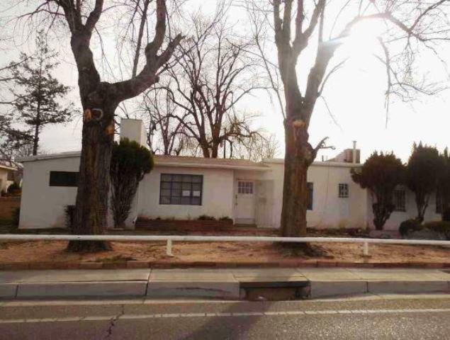 614 Washington Street NE, Albuquerque, NM 87110 (MLS #943376) :: Campbell & Campbell Real Estate Services