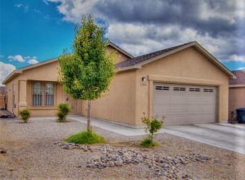 2208 Vinton Street SW, Albuquerque, NM 87121 (MLS #943492) :: Silesha & Company