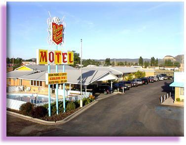 1354 2nd Street, Raton, NM 87740 (MLS #944179) :: The Bigelow Team / Red Fox Realty
