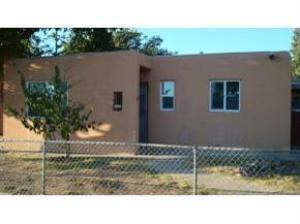 2504 Valencia Drive NE, Albuquerque, NM 87110 (MLS #944238) :: Silesha & Company