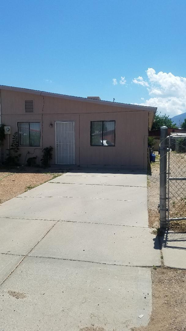 1118 Maple Street, Bernalillo, NM 87004 (MLS #946129) :: Campbell & Campbell Real Estate Services