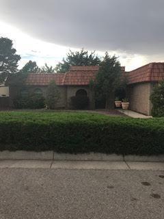 4925 Camino De Monte, Albuquerque, NM 87111 (MLS #949552) :: Campbell & Campbell Real Estate Services