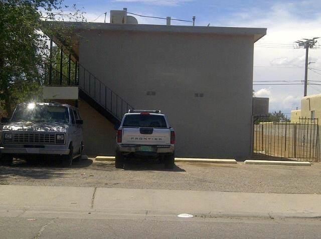 308 Dallas Street NE, Albuquerque, NM 87108 (MLS #952663) :: Campbell & Campbell Real Estate Services