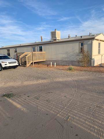 5703 Lizard Lane SW, Albuquerque, NM 87121 (MLS #957202) :: Campbell & Campbell Real Estate Services