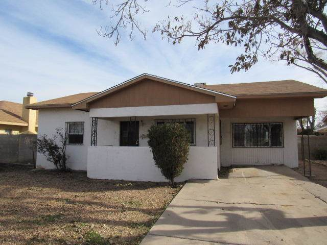 2724 Solano Drive NE, Albuquerque, NM 87110 (MLS #957942) :: Campbell & Campbell Real Estate Services