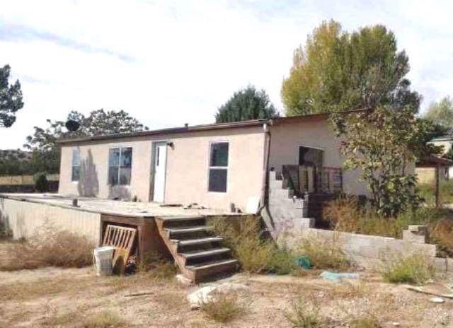 8 Private 1074 Drive, Espanola, NM 87532 (MLS #958580) :: Silesha & Company