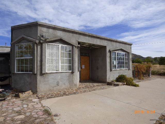 6 Paz Road SE, Albuquerque, NM 87123 (MLS #959046) :: Campbell & Campbell Real Estate Services
