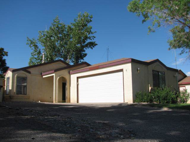 1893 Peach Road NE, Rio Rancho, NM 87144 (MLS #960150) :: Campbell & Campbell Real Estate Services