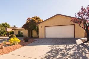 812 Keely Road SE, Albuquerque, NM 87123 (MLS #960271) :: Sandi Pressley Team