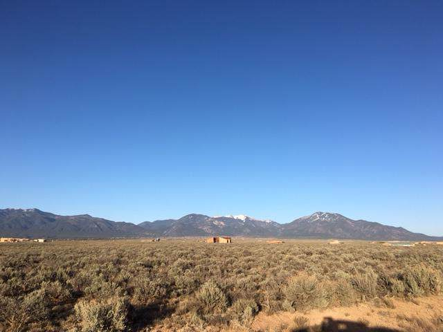 Calle Feliberto, Taos, NM 87571 (MLS #961389) :: Campbell & Campbell Real Estate Services