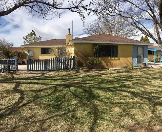 12 Park Lane, Peralta, NM 87042 (MLS #963425) :: Campbell & Campbell Real Estate Services