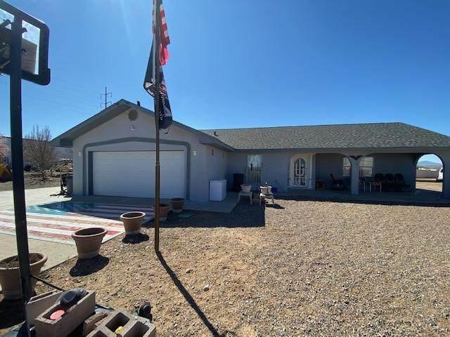 6 Kalama Avenue, Los Lunas, NM 87031 (MLS #965772) :: Sandi Pressley Team