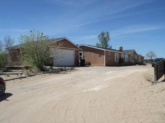 333 4TH Avenue SW, Rio Rancho, NM 87124 (MLS #967601) :: The Buchman Group