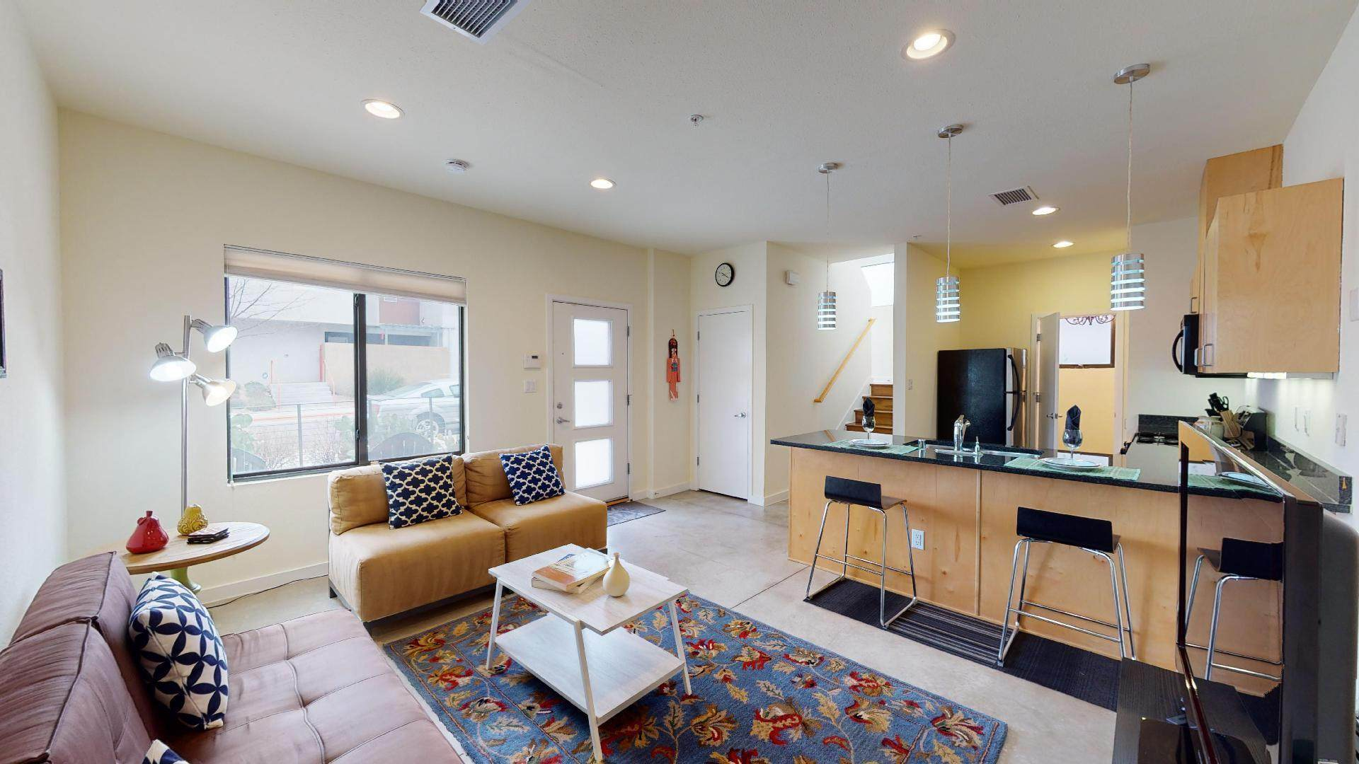 201 Aliso Drive SE #4, Albuquerque, NM 87108 (MLS #971419) :: Campbell & Campbell Real Estate Services
