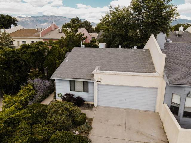 6529 Pine Park Place NE, Albuquerque, NM 87109 (MLS #971970) :: The Buchman Group