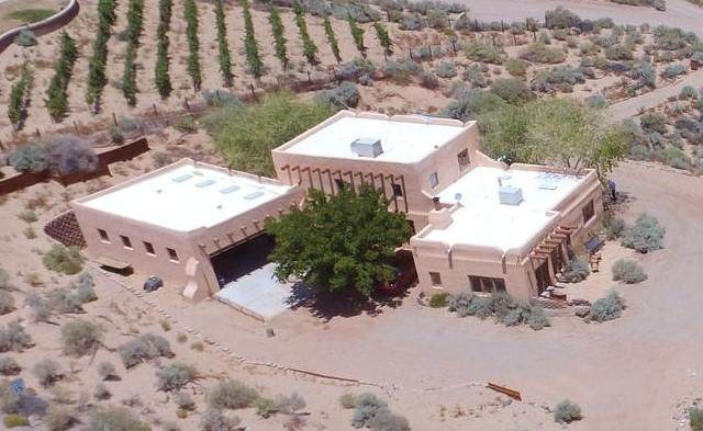 300 Chimaja Road, Corrales, NM 87048 (MLS #973154) :: Campbell & Campbell Real Estate Services