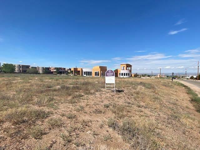 8520 Glendale Avenue NE, Albuquerque, NM 87122 (MLS #973424) :: The Buchman Group