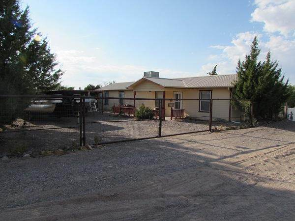 145 Lancer Drive, Elephant Butte, NM 87935 (MLS #976716) :: The Buchman Group