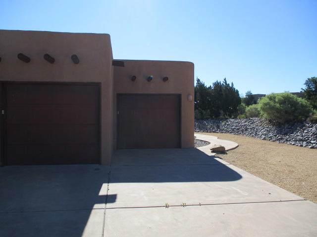 29 Anasazi Trails Loop, Placitas, NM 87043 (MLS #977158) :: Sandi Pressley Team