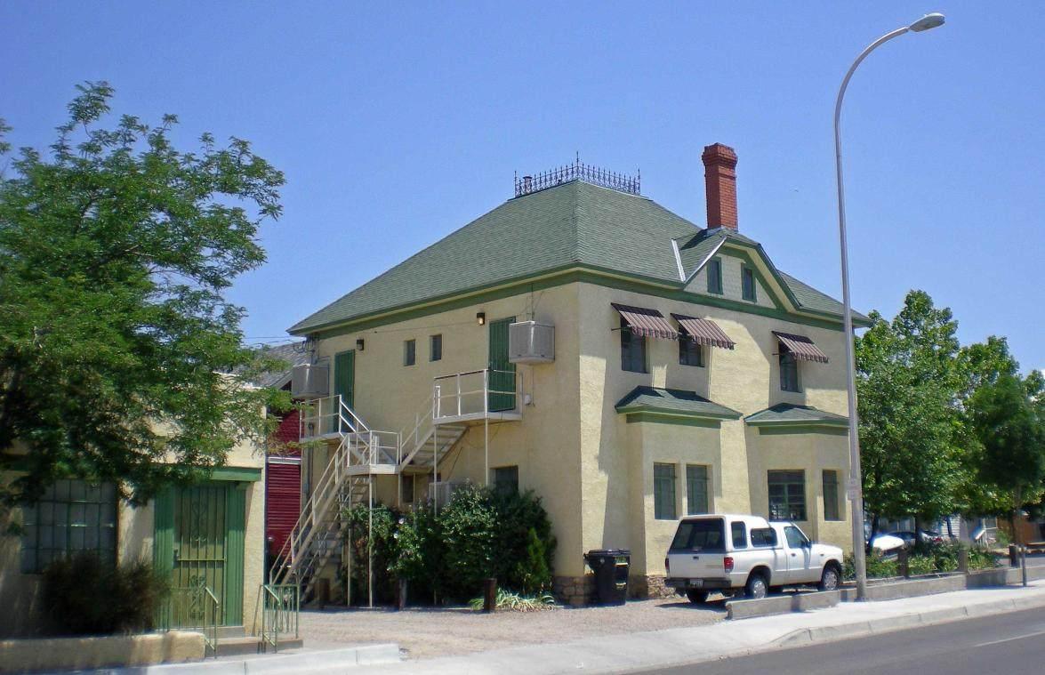 421 Edith Boulevard - Photo 1
