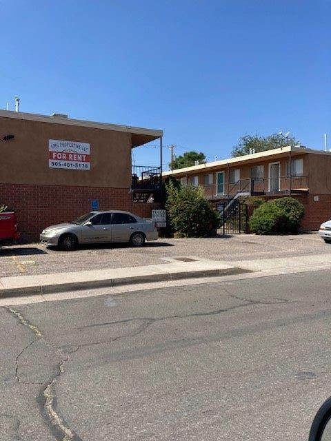 1015 Valencia Drive SE, Albuquerque, NM 87108 (MLS #978971) :: The Bigelow Team / Red Fox Realty