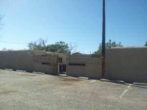 211 Texas Street NE, Albuquerque, NM 87108 (MLS #980574) :: Berkshire Hathaway HomeServices Santa Fe Real Estate