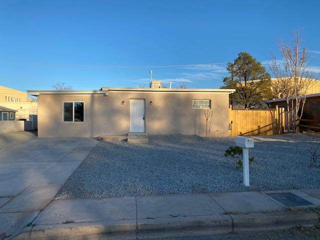 716 56TH Street NW, Albuquerque, NM 87105 (MLS #981119) :: The Bigelow Team / Red Fox Realty
