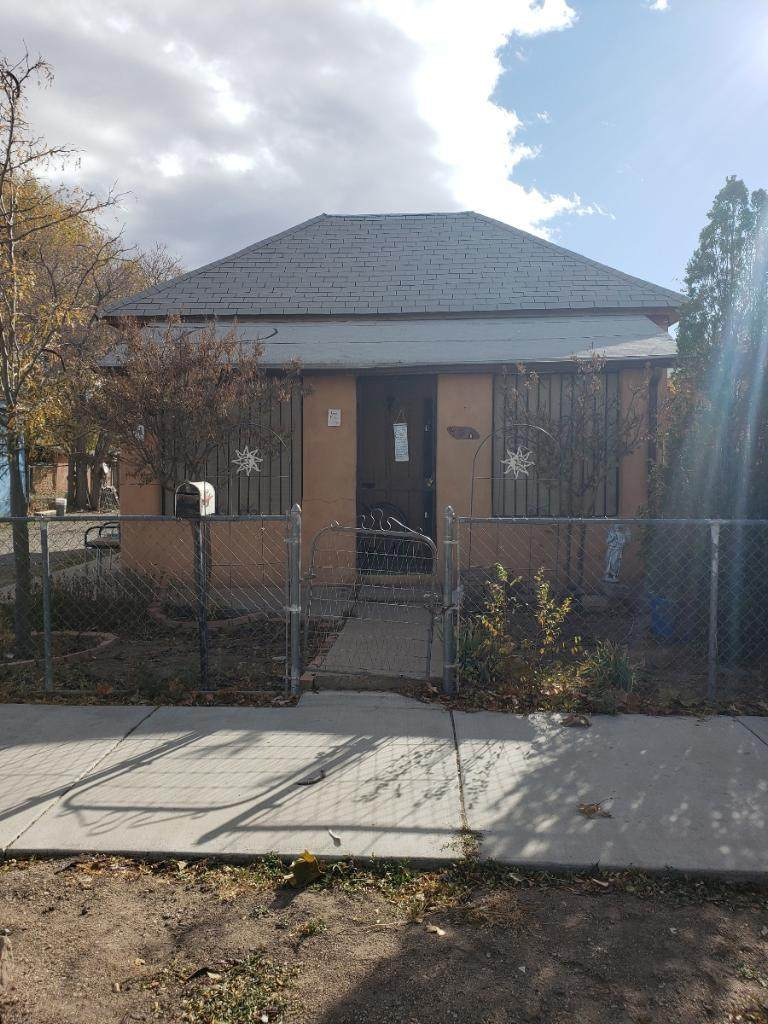 318 Santa Fe Avenue - Photo 1