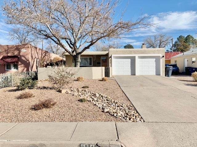 316 Dartmouth Drive SE, Albuquerque, NM 87106 (MLS #983596) :: Campbell & Campbell Real Estate Services